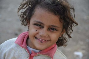 fly4-little-girl-deir-abu-hennis