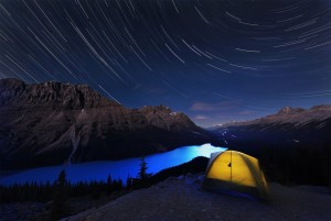 (X)breathtaking sights4-stars-over-peyto-lake