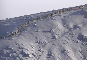 (X)breathtaking sights7-japanese-rescue-team-climbing-volcano