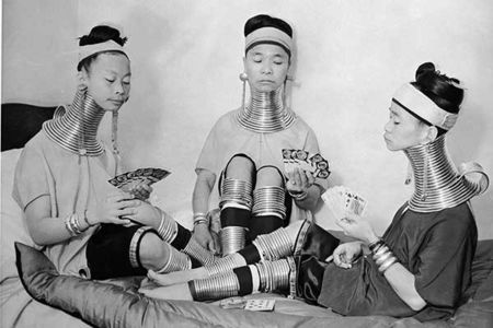 Pictures of Beauty is Pain: The Most Extreme Beauty Rituals Throughout History and Bizarre Beauty Treatments