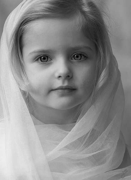 In the Innocence of a Child (With 20 Pictures of Little Girls)