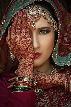 """Henna-""""Barakah"""":  An Enduring Tradition With 20 Henna Arts Pictures"""