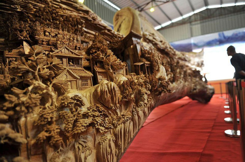 Chinese Sculptor Spends 4 Years Creating World's Longest Wooden Sculpture