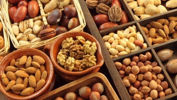 HEALTH: Eating Nuts And Stomach Discomfort